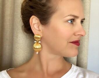 Clara Studio Inc Brushed Gold Faux Pearl Dangle Clip On Earrings, Vintage Earrings, Clara Studio Earrings, Clara Kasavina Jewelry
