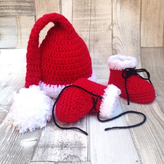 Christmas booties, Santa hat, Baby father christmas outfit, red hat and booties, unisex, santa baby, newborn, crochet, crocheted hat boots