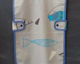 child coated apron - fish