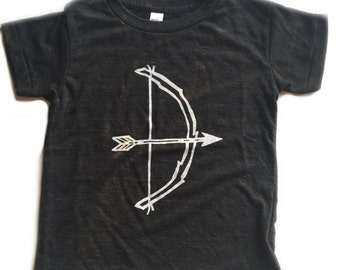 kids bow & arrow tee