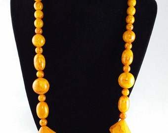 Vintage Bakelite Necklace - Butterscotch Beads With Red Marbling