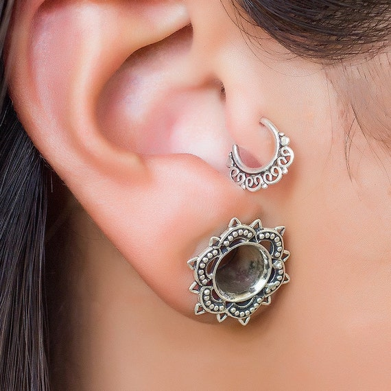 Tragus earring. silver tragus earring. gold tragus earring. small hoop earrings. cartilage earring. helix jewelry. tragus ring. helix hoop