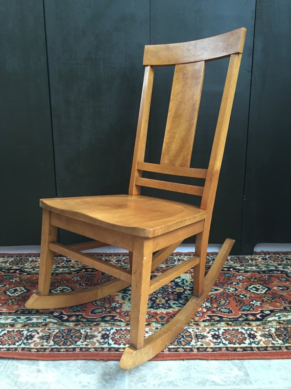Items similar to Antique HEYWOOD BROTHERS WAKEFIELD Co. Curly Birdseye Maple  Rocking Chair Rocker Rustic Vintage Furniture on Etsy - Items Similar To Antique HEYWOOD BROTHERS WAKEFIELD Co. Curly