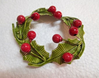 Vintage Original by Robert Wreath Holly Leaves and Berries Christmas Brooch Pin