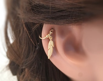 Feather Cartilage Earring, Tiny Hoop Earring, Gold Earring, Cartilage Jewelry, Cartilage Earring, Feather Earring,Beaded Earring, Tiny Hoop