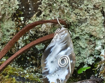 Wrapped agate slice