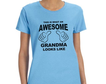 This is What an Awesome Grandma Looks Like Funny T-Shirt or Tank Gift