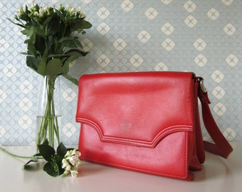 Vintage Red Leather 70s Handbag