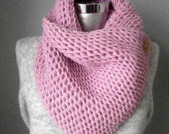 Boston cowl, knit cowl, button scarf, chunky knit cowl, knit cowl scarf, knit cowl Custom Color