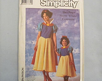 Snow White Costume Sewing Pattern, Adult and Child, Simplicity #7735, 1986, Disney, Uncut