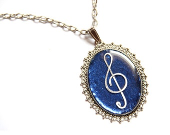 Modern necklace Music lover jewelry Music teacher gift Treble clef pendant Musician gift Music jewelry for her Long chain necklace Statement