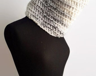 Chunky Knit Cowl Scarf Unisex, Knit Neck Warmer Scarf, Crochet Cowl Neck Scarf, Black and White Scarf, Winter Accessory