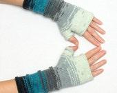 Winter gloves Gift for her Girlfriend Gift for her Womens gift idea Knit fingerless gloves Fingerless mittens grey blue mom gift mother day