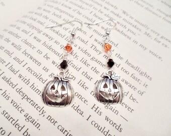 Pumpkin Earrings, Halloween Earrings, Orange and Black Jewelry, Jack O Lantern Earrings, Orange Pumpkin Earrings, Spooky Earrings, Halloween