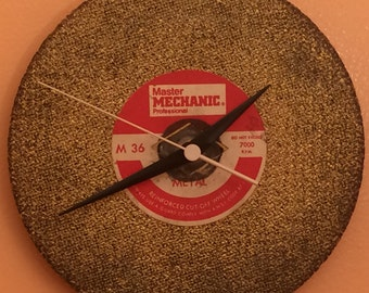 Cutting Blade Clock - Conclocktion