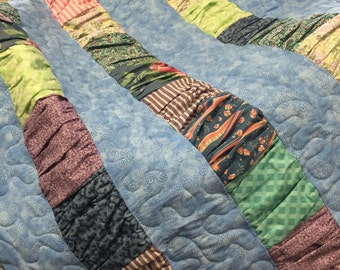 Ruched Quilt in Blue