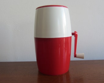 LILLO Ice Shaver - plastic vintage Red and White - Made in Italy - 1970s