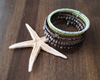 Green memory wire bracelet, Czech seed beads , wood, coconut, green gradient