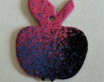 Spray paint style pendant