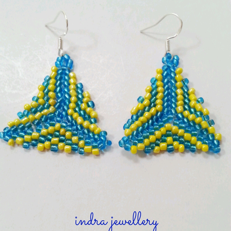 triangle beaded earrings seed bead earrings beadwork
