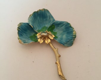 Vintage brooch, brooch, pin, gold tone brooch, dogwood flower, flower brooch, flower pin, blue enamel, blue flower, blue and gold