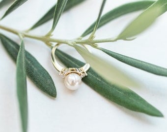 Yellow Gold Akoya Pearl and Diamond Ring