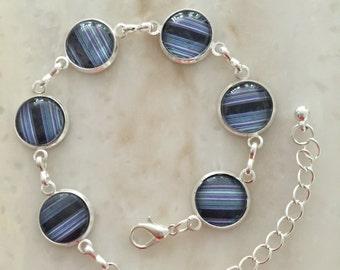 Delicate bracelet Blue