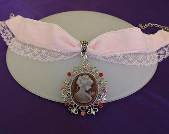 Pink Velvet Choker, Cameo choker, Victorian Choker, Steampunk choker, Victorian Wedding Collar, Victorian Jewelry, Classic lolita Choker