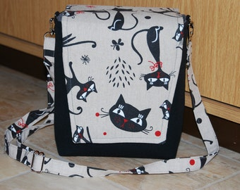 Camera bag with cats