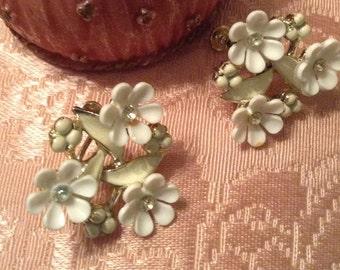 Pretty Vintage Coro Flower Earrings with Rhinestones