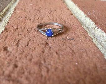 Circle Star Sapphire Dason 10k Ring