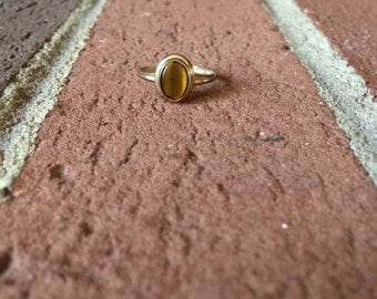 Oval Shaped Tigers Eye 10k Gold Ring