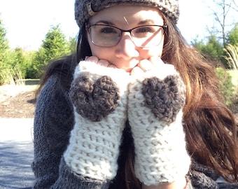 Crochet Heart White Finglerless Gloves