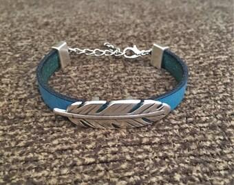 Boho Bracelet, Turquoise Flat Leather Cord Bracelet with Large Silver Feather Charm, Boho Jewelry, Hippie Bracelet, Leather Bracelet, 50018
