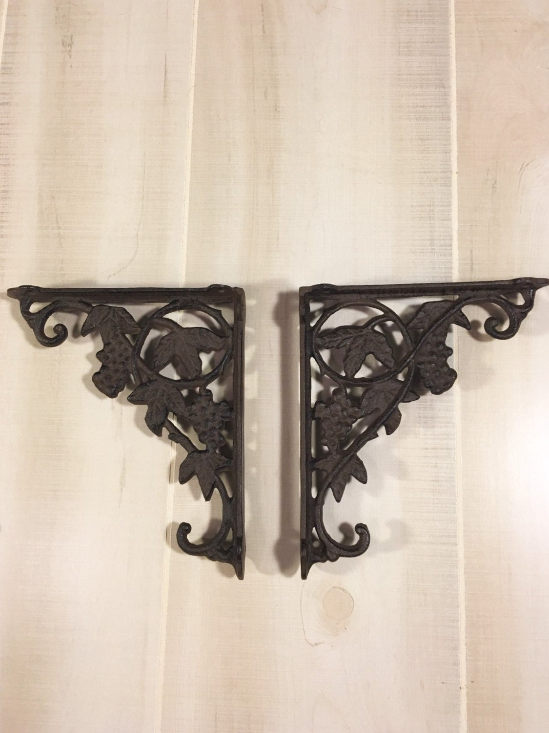 cast iron shelf brackets rustic wrought iron grape vine. Black Bedroom Furniture Sets. Home Design Ideas