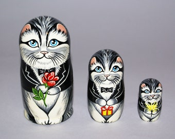 Cat family stacking dolls matryoshka nesting babushka dolls set of 3