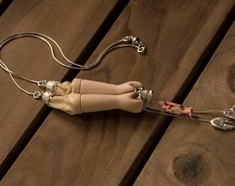 Extirpe Necklace