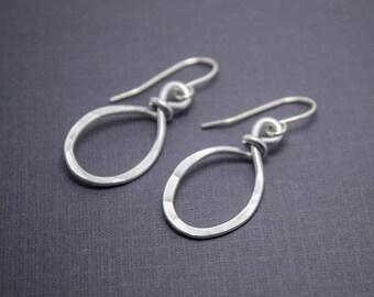 Small Casual Earrings - Oval Earrings - Wire Earrings - Silver Earrings - Handmade Aluminum Earrings - Gift for Her - Rustic Earrings