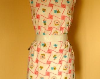 1960s summer shift dress sleeveless graphic floral print