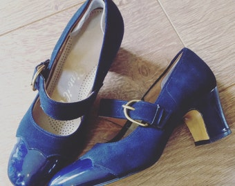 Vintage Blue Patent Leather and Suede Ladies Shoes Size 2 c. 1960's