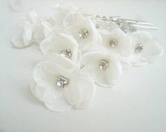 White Flower Bridal Hair Pins, Small Flower  Wedding Hair Accessories, Crystal  Pearl Flower Hair Pin, Silver U Pin, Bridal Head Piece