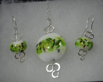 Exquisite Earrings and Necklace lampwork beads set