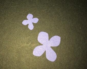 145ct- 2 size purple flower confetti