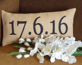 Remember your Special Date,Jute/Burlap Pillow with Date,Anniversary Pillow,Wedding Date Pillow,Initials printed pillow,customized pillows