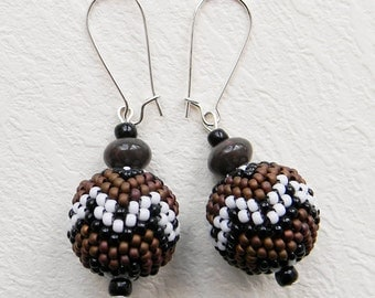 SALE ! Brown beaded earrings Seed bead earrings Dangle earrings Beaded bead earrings Beaded ball earrings Brown dangle earrings Beadwoven