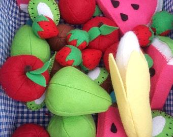 Felt Fruit Toy Set: Pretend kitchen play food