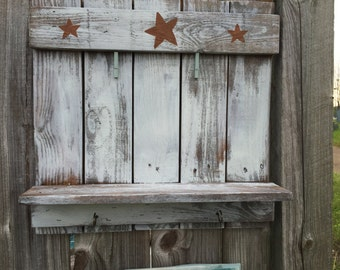 Pallet Picture frame with a shelf and 2 hooks