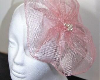 Pale pink flower fascinator, floral fascinator, wedding fascinator, pink hairband, pink headband, flower hairband, flower headband