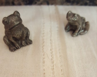 Silver(pewter) miniature frogs