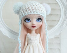 A cute cap for Pullip girls, with gradient from white to powdery pastel blue, with pompoms, Kawaii, helmet,yarn,custom, ooak